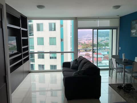 Luxury Condo Fully-Equipped w Washer/Dryer & Pool