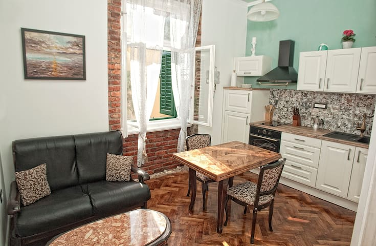 """""""For two"""" apartment, Opatija"""
