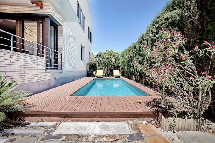 VILLA ALEXA ★ Espectacular Villa frente a la playa con piscina privada. FREE WIFI. 6PAX. Ideal para
