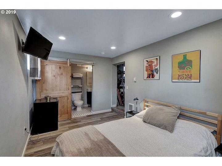 Overlook/Arbor Lodge Studio