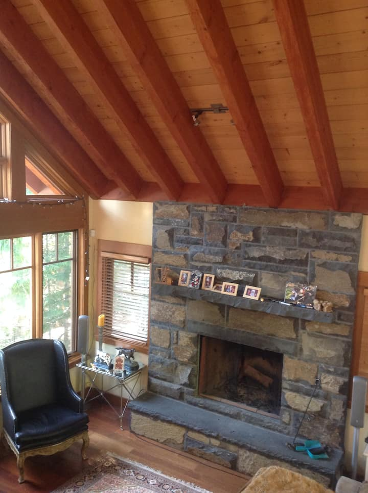 Lovely Whistler family home! Space for everyone!