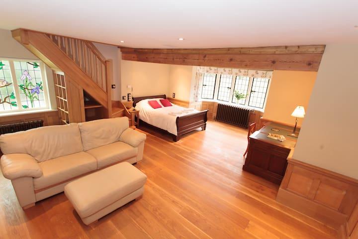 Open plan Bedroom Suite