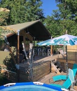 Glamping tent met eigen zwembad en jacuzzi