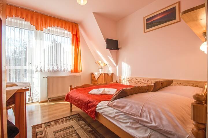 Pokój 2 osobowy z jednym łóżkiem