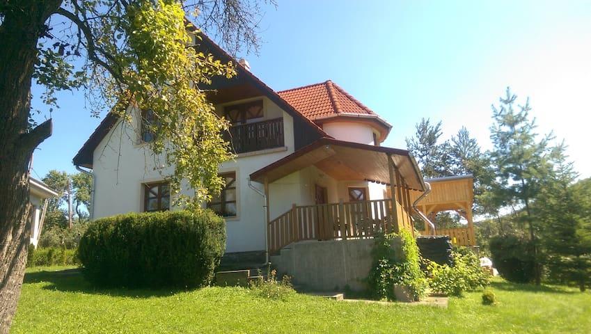 Aranyalmás/Felhőnéző Vendégház Telkibánya, Hungary - Telkibánya - House