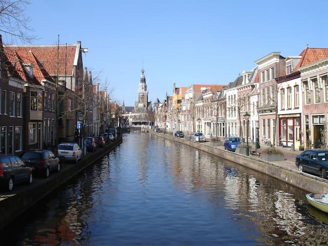 Alkmaar : Monumentaal appartement in het centrum