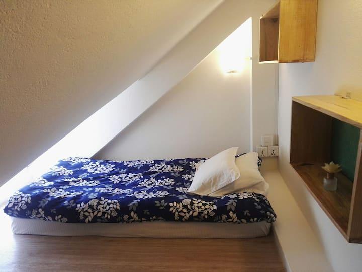 Unique dwarf attic room for 6$ per night