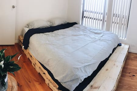 Cozy bedroom in Williamstown - Williamstown - Talo