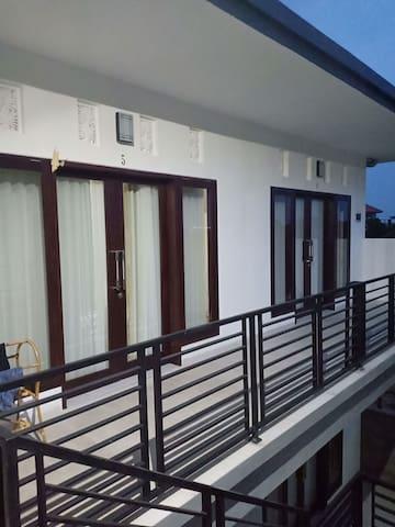 OHANA HOMESTAY ROOM 1 BY SILA DHARMA