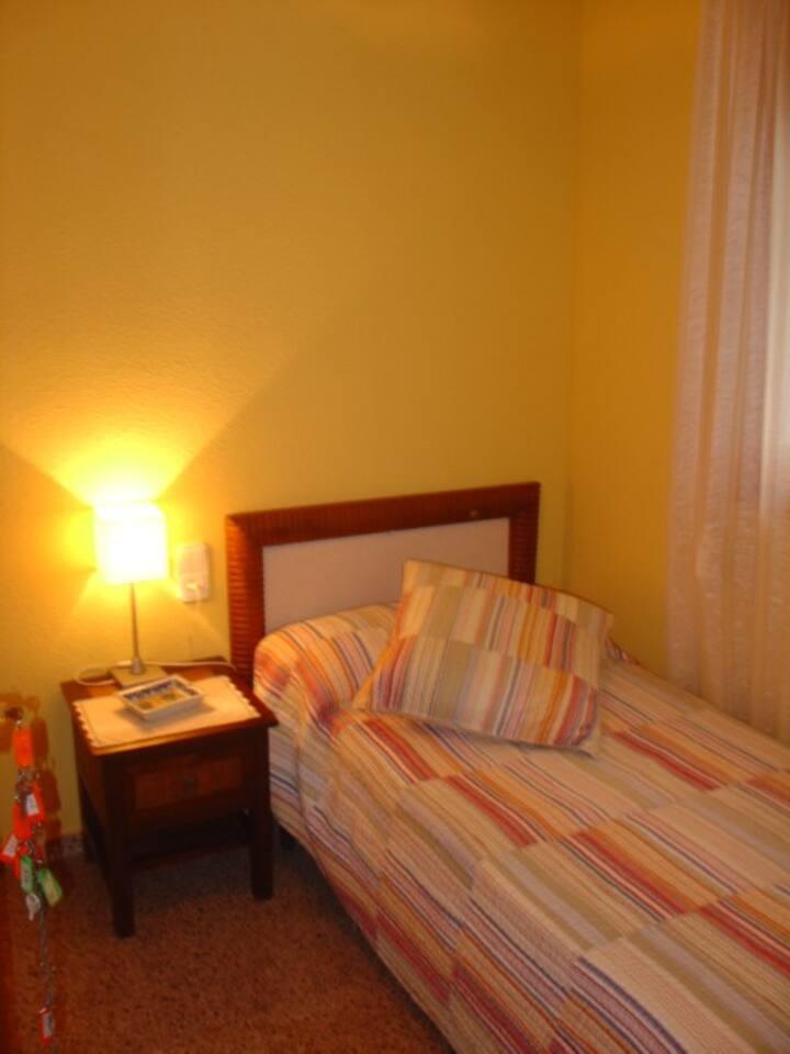 HABITACION INDIVIDUAL HOTEL C/ BAÑO DELTA EBRO