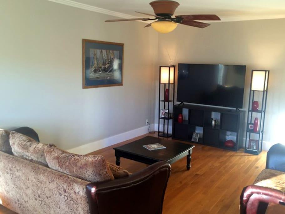 Unit B, Living Room smart TV