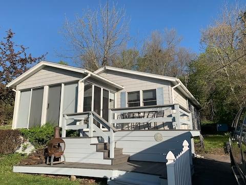 Henderson Harbor 4-season Cottage