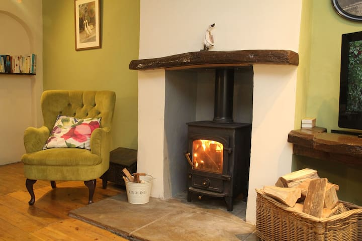 By stream with ducks, with garden&wood burner -BH1