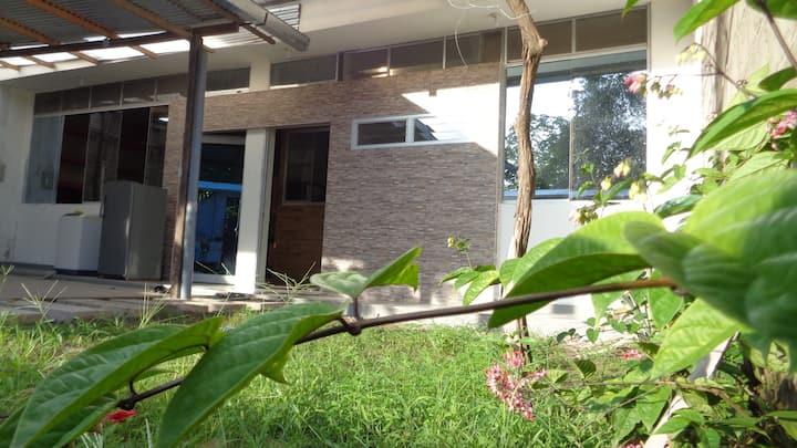 HOLIDAY HOUSE - casa privada / frente al río