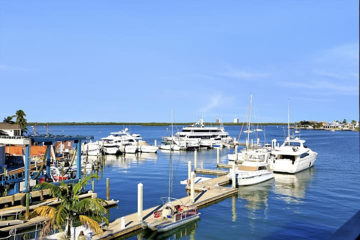 ANGLERS COVE 405 MARCO ISLAND VACATION RENTAL