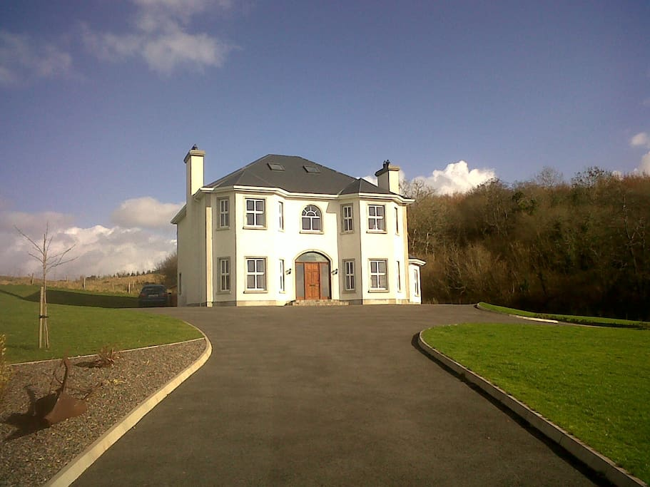 Rosswood House Driveway