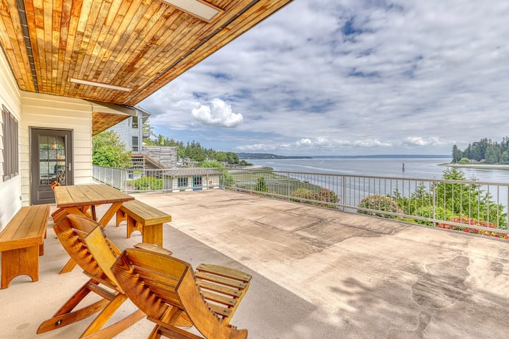 PING family, waterfront home w/ incredible views, a private beach, & firepit