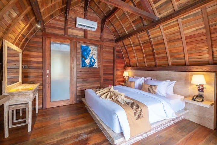 Balinese Wood Cabin Near GWK by Bukit Vista #9