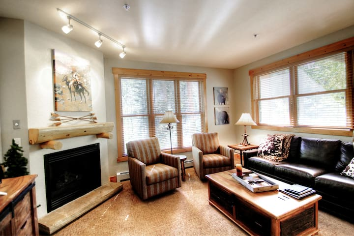 Beautifully Remodeled Riverfront Two Bedroom in Trappers Crossing
