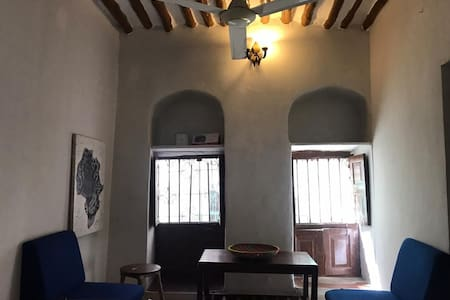 Cozy, unlimited wifi, center of historical city