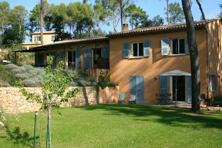 Beautiful family house with pool  - Roquefort-les-Pins - House