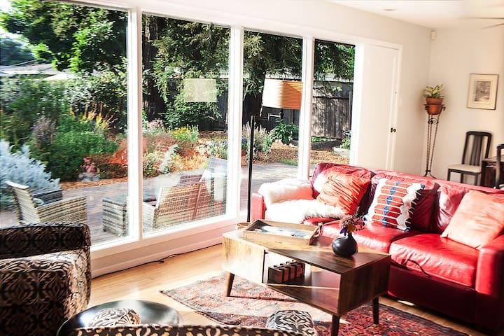 Wine Country Garden Getaway Houses For Rent In Santa Rosa