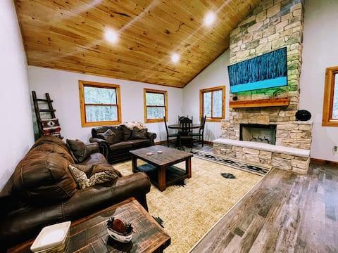 Shady Oaks Cabin at Lake Texoma