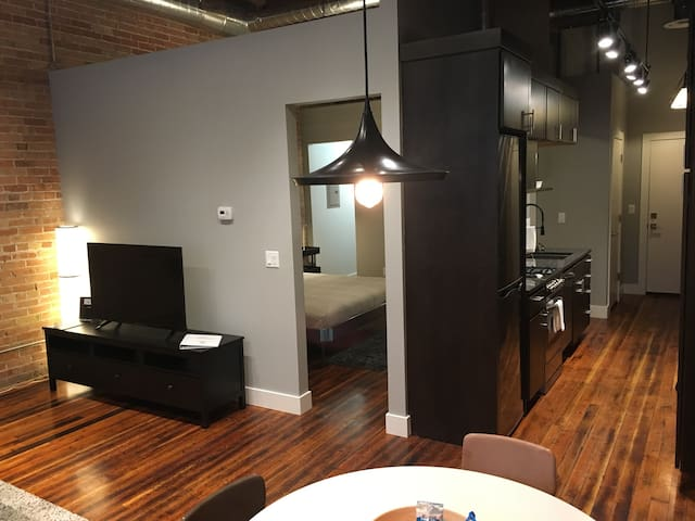 The District Lofts C - 1 bedroom/1 bath - sleeps 4