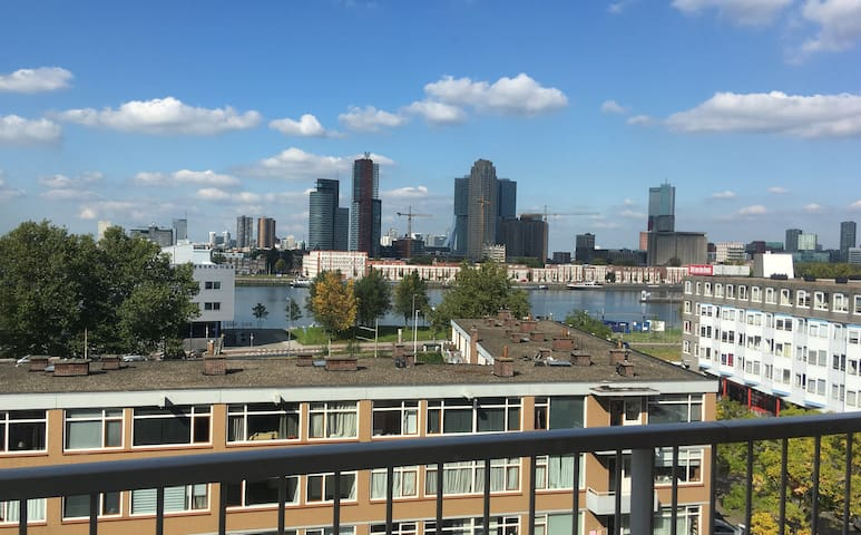 2-bedroom apartment with nice view over Rotterdam