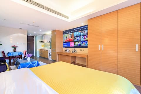 [NEW HOUSE] [Private Theater]/Dongzhimen/Dong Shijo/Taikoo Li Sanlitun/Workers Gymnasium/Luxury Queen Room with Sky View/