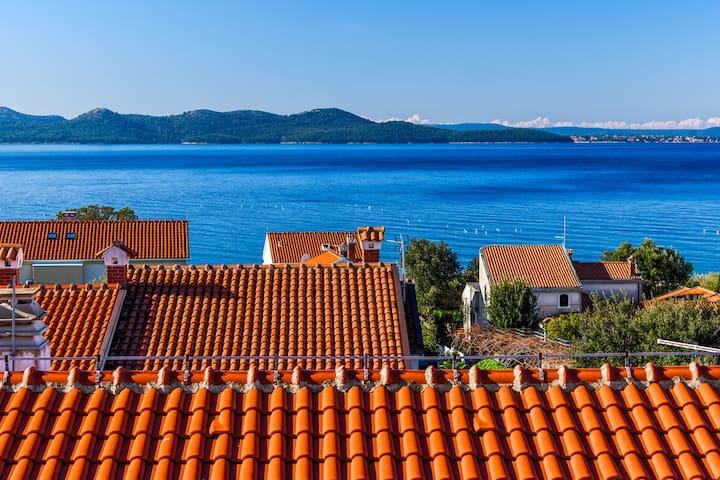 Luxury Sea view Apt-Zadar Diklo(3 person)