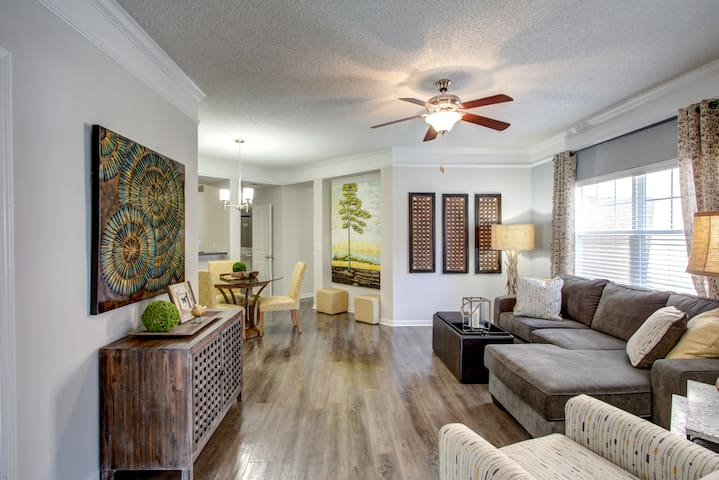 Relax and Recharge in This Gorgeous Apartment!