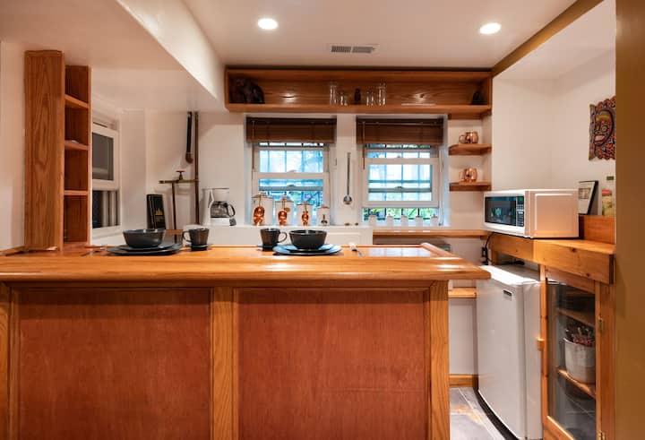 English basement studio apartment in Bloomingdale: