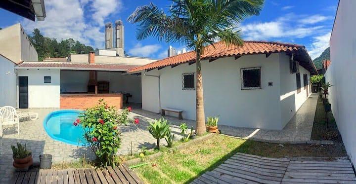 Casa com piscina Balneário Camboriú - Interpraias