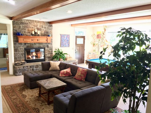 Comfort Close To Portland, Wine Country, Beaches!