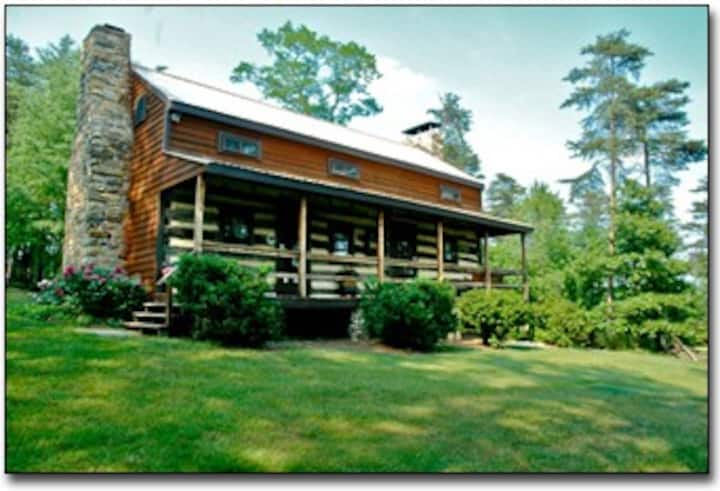 Historic Cabin at Gobblers' Knob near lake/golf