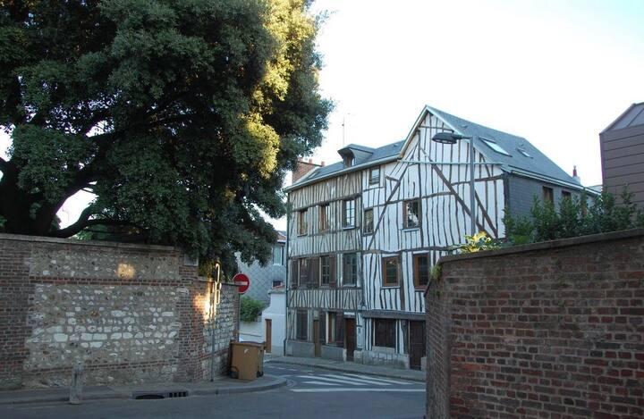 Studio 23m2 Rouen centre rive droite