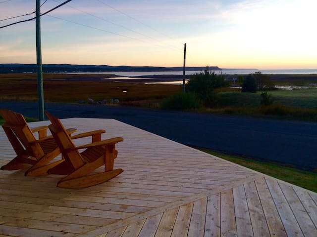 Charming Shipbuilder's House on the Bay of Fundy