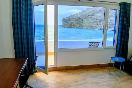 """The View"" Beach Apartment - directly on the beach"