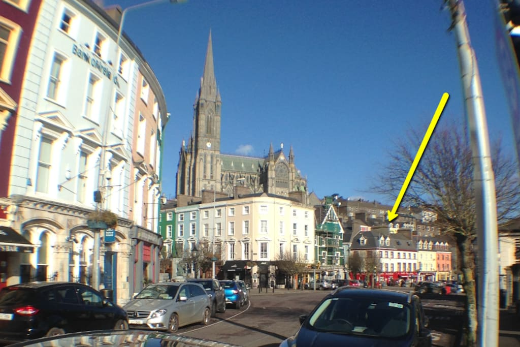 Central location, off Pearse Square