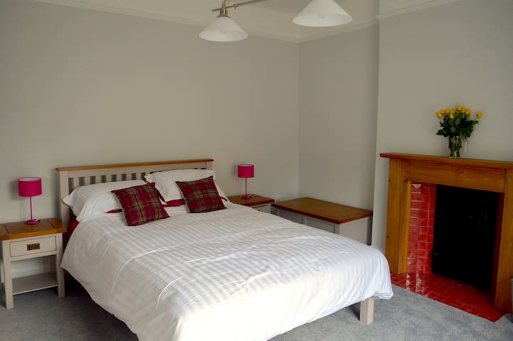 Newly refurbished Victorian Cottage in Ventnor - Ventnor - Talo