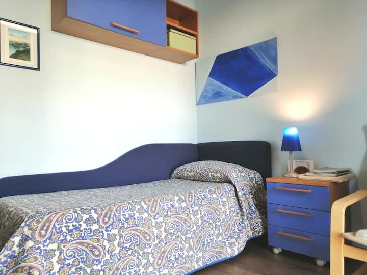 Stanza singola Azzurrina+bagno privato ad Aosta