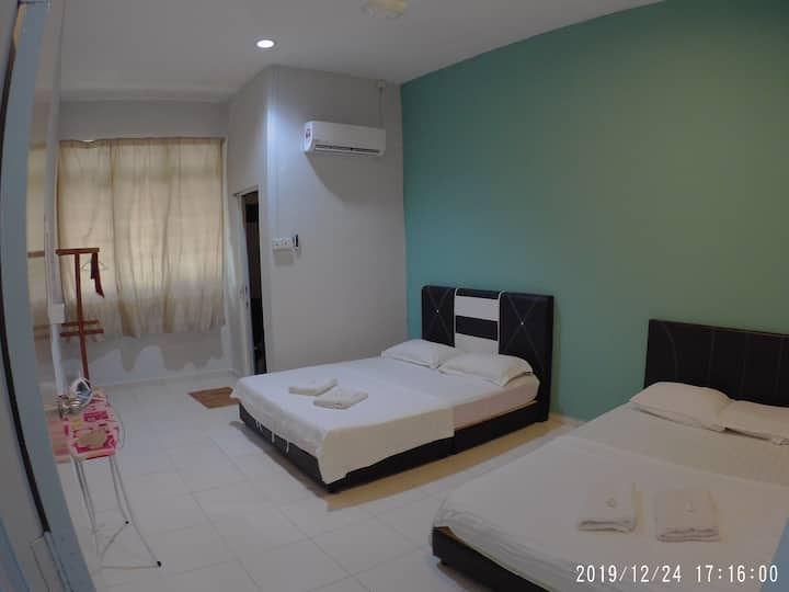 Promenade 1 - Three Bedroom Homestay