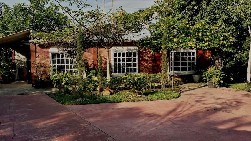Casa (Semi-residencial)