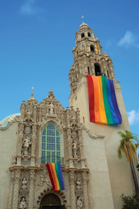 Balboa Park, San Diego ZOO, museums, Old Globe Theatre, Marston House are all a 12 minute walk away.