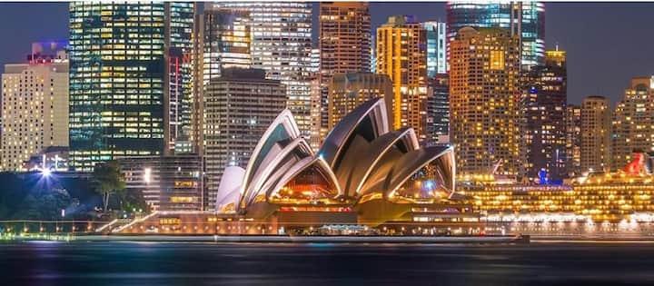 Sydney Central Business District *PARK FREE*