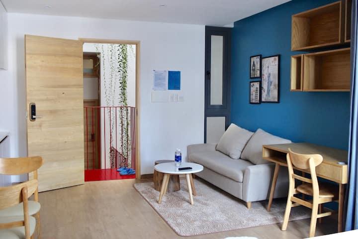 The Avis Apartments - Deluxe Double 404