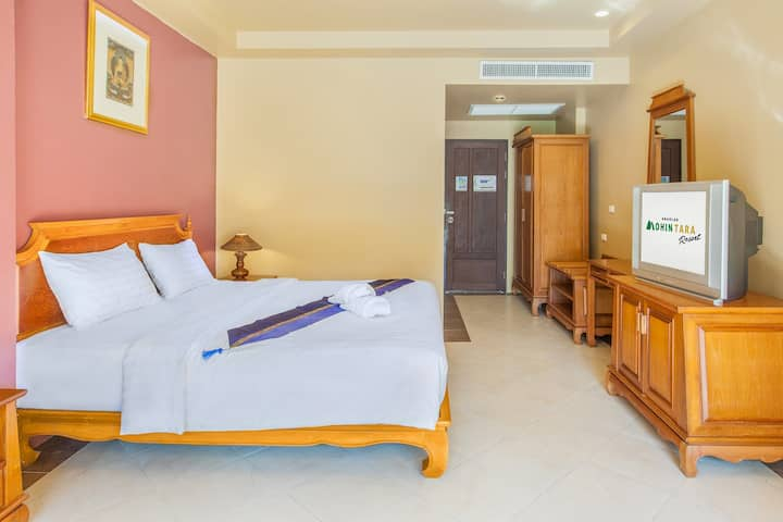 5 Minutes from Khaolak Center - Private Room