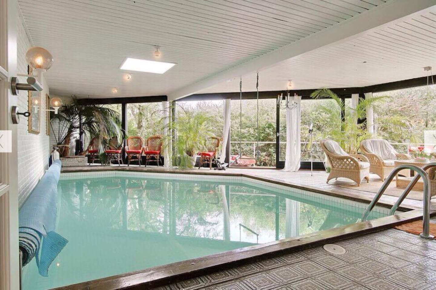 Swimmingpool-room. Tropical climate and with a nice lounge-like table-chair-sofa constellation, if you're having guests