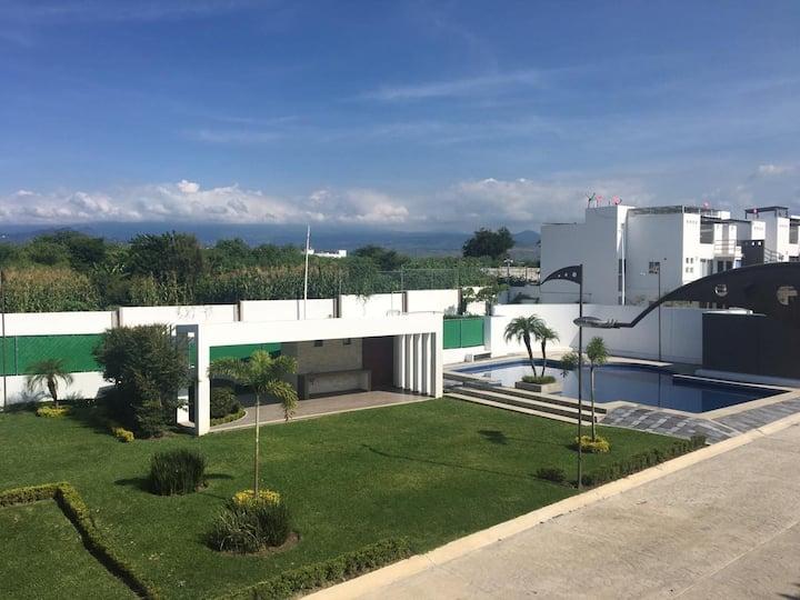 Hermosa casa con Jacuzzi y Alberca privada